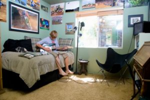 Ideas for Painting a Teenage Boy's Bedroom